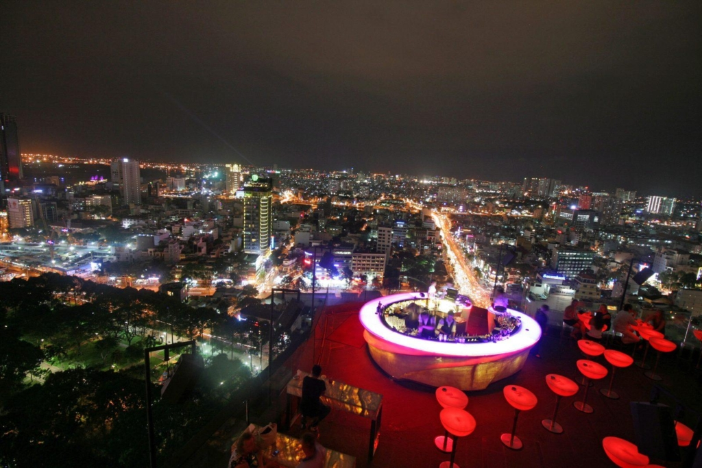 chill sky bar saigon night time city view