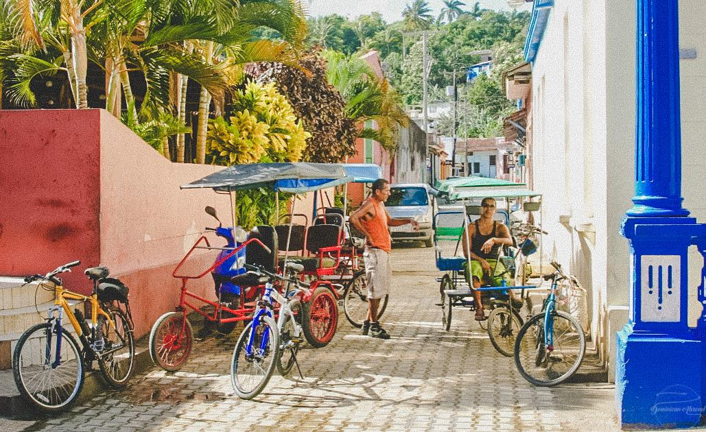 cuban rickshaw entrepeneurs