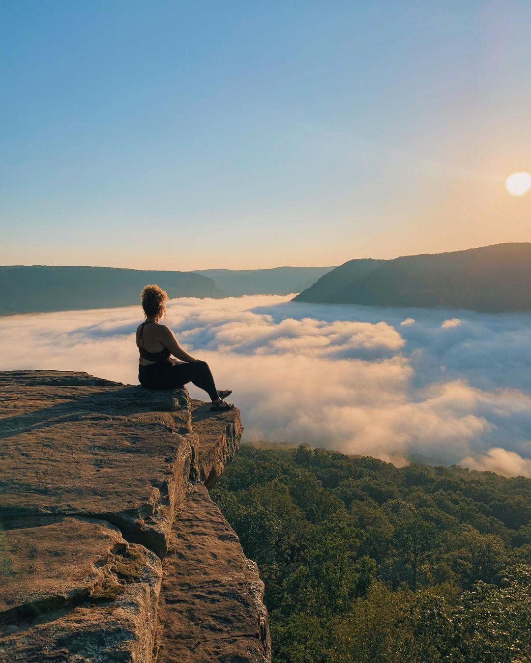 Fun Free Activities for a Nashville Weekend Trip in Tennessee 2 Snoopers Rock trail tn